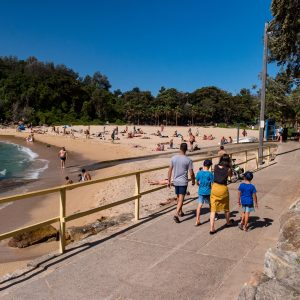 Walking from Manly to Shelly Beach