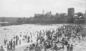 Manly Cove in the summer of 1931-32.